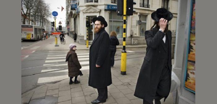 Trois morts du coronavirus dans la communauté juive d'Anvers où les mesures de confinement ont mis du temps a être mises en oeuvre parmi les ultra-Orthodoxes
